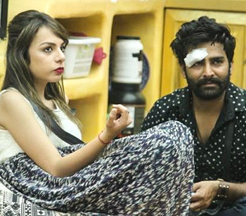 Current Bollywood News & Movies - Indian Movie Reviews, Hindi Music & Gossip - Bigg Boss 10: Manveer-Nitibha, new love birds?