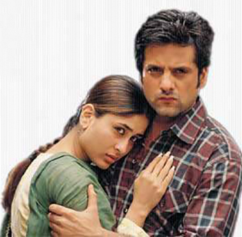 Kareena Kapoor and Fardeen Khan in Dev