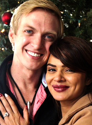 Current Bollywood News & Movies - Indian Movie Reviews, Hindi Music & Gossip - PIX: TV actress Aashka Goradia gets engaged