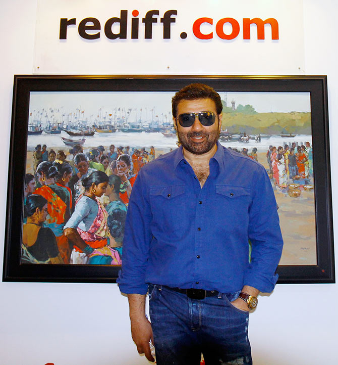 Current Bollywood News & Movies - Indian Movie Reviews, Hindi Music & Gossip - PIX: Sunny Deol visits Rediff!