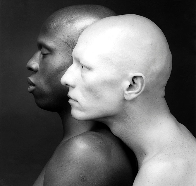 A scene from Mapplethorpe: Look at the Pictures