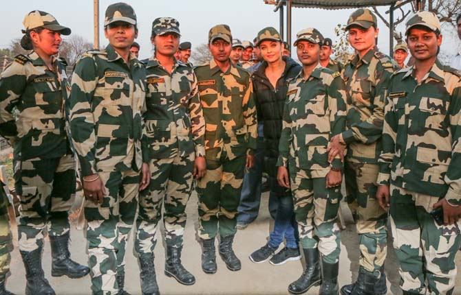 Aishwarya with BSF soliders