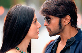 Farah Karimi and Himesh Reshammiya in Teraa Surroor