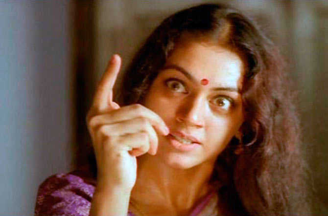 Current Bollywood News & Movies - Indian Movie Reviews, Hindi Music & Gossip - Who dubbed for Nagavalli in Manichitrathazhu?