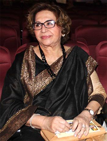 Current Bollywood News & Movies - Indian Movie Reviews, Hindi Music & Gossip - PIX: Helen, Dharmendra attend Bimal Roy retrospective