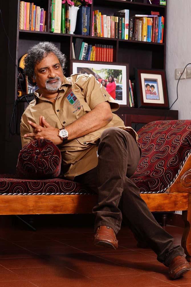 Current Bollywood News & Movies - Indian Movie Reviews, Hindi Music & Gossip - Joy Mathew mocks Padma awards