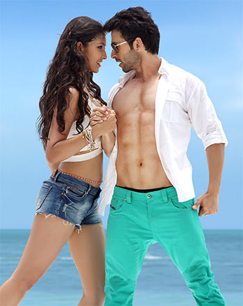 Girish Kumar and Navneet Kaur Dhillon in Loveshhuda
