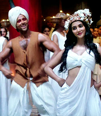 Hrithik Roshan and Pooja Hegde in Mohenjo Daro