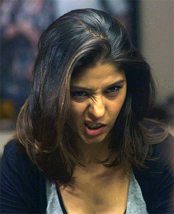 Current Bollywood News & Movies - Indian Movie Reviews, Hindi Music & Gossip - Review: Sunidhi Chauhan is impressive in Playing Priya