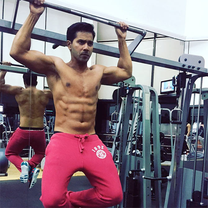 Varun Dhawan Flaunts His Six Pack Abs Rediff Com Movies