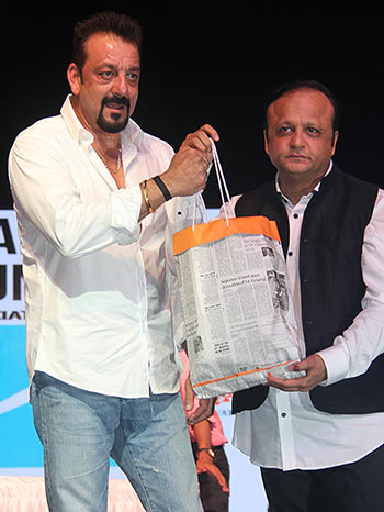 Current Bollywood News & Movies - Indian Movie Reviews, Hindi Music & Gossip - PIX: Sanjay Dutt, Dia Mirza celebrate World Environment Day