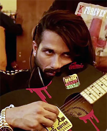 Current Bollywood News & Movies - Indian Movie Reviews, Hindi Music & Gossip - Review: Udta Punjab is a must-watch