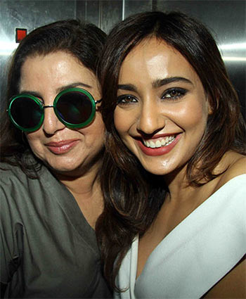 Current Bollywood News & Movies - Indian Movie Reviews, Hindi Music & Gossip - PIX: Farah Khan watches a film with Neha Sharma
