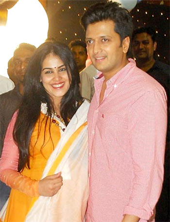 Genelia DSouza Deshmukh Is Expecting Her Second Child With Hubby Riteish And Shes Totally Glowing