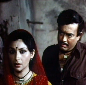 Sharmila Tagore and Sanjeev Kumar in Namkeen