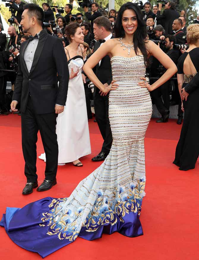 cannes 2016 mallika sherawat rocks the red carpet