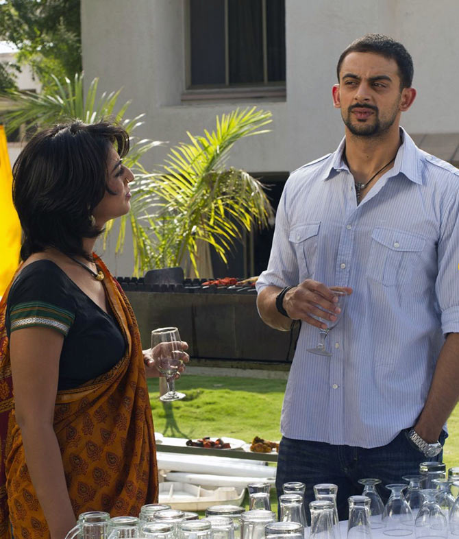 Arunoday Singh and Mahie Gill in Buddha in a Traffic Jam