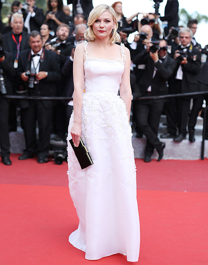 Current Bollywood News & Movies - Indian Movie Reviews, Hindi Music & Gossip - Cannes 2016: Kirsten Dunst, Kate Moss hit the red carpet
