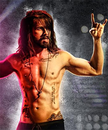 Current Bollywood News & Movies - Indian Movie Reviews, Hindi Music & Gossip - Review: Udta Punjab music rocks!