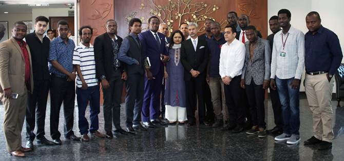 Foreign Secretary S Jaishankar with a delegation of African students in New Delhi, May 30, 2016