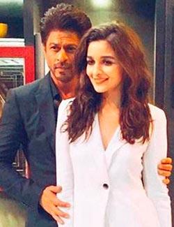 Current Bollywood News & Movies - Indian Movie Reviews, Hindi Music & Gossip - Koffee With Karan Review: Shah Rukh Khan brews a great blend of smarts and sass!