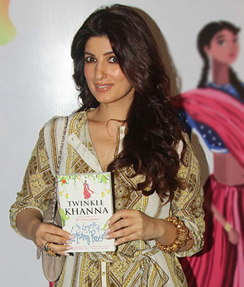 Current Bollywood News & Movies - Indian Movie Reviews, Hindi Music & Gossip - PIX: Twinkle launches her book with Akshay, Ranbir, Alia