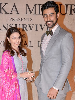 Current Bollywood News & Movies - Indian Movie Reviews, Hindi Music & Gossip - PIX: Soha, Kunal walk the ramp for a cause