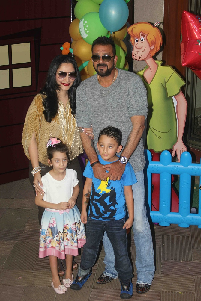 Current Bollywood News & Movies - Indian Movie Reviews, Hindi Music & Gossip - PIX: Sanjay Dutt's kids turn 6!