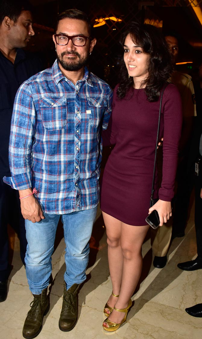 Current Bollywood News & Movies - Indian Movie Reviews, Hindi Music & Gossip - PIX: Aamir, daughter Ira launch a book on Nasir Hussain