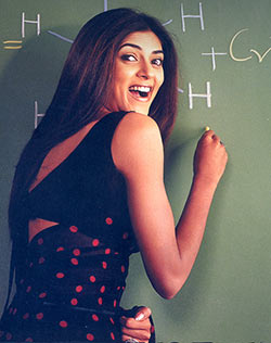 Current Bollywood News & Movies - Indian Movie Reviews, Hindi Music & Gossip - 'Always wondered why my teacher's sari never flew the way it did in Main Hoon Na'