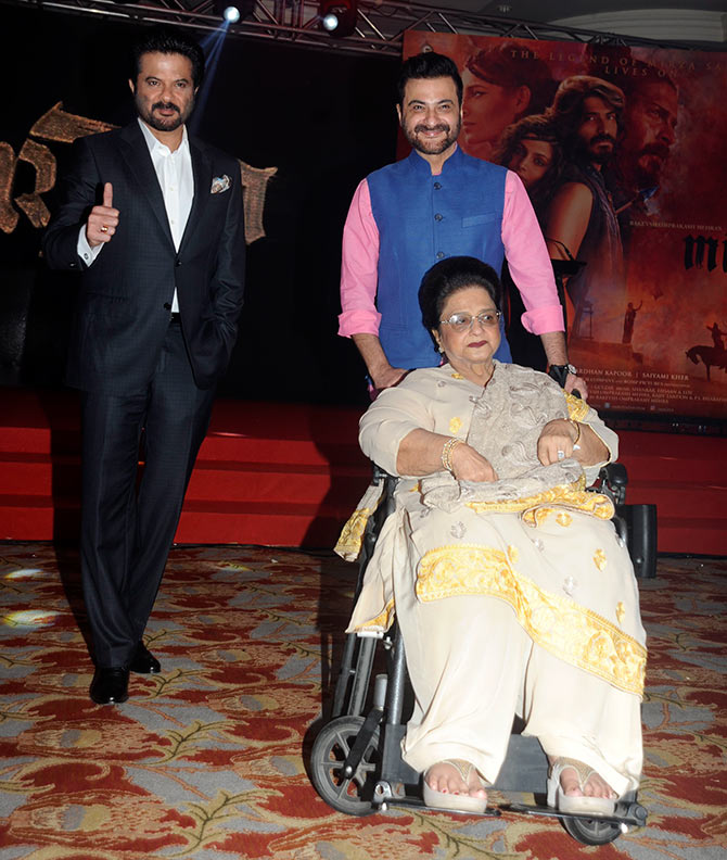 PIX: Anil Kapoor cheers for his son Harshvardhan - Rediff ...