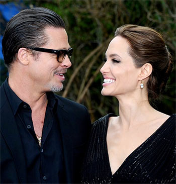 Current Bollywood News & Movies - Indian Movie Reviews, Hindi Music & Gossip - Angelina-Brad's love story in pictures