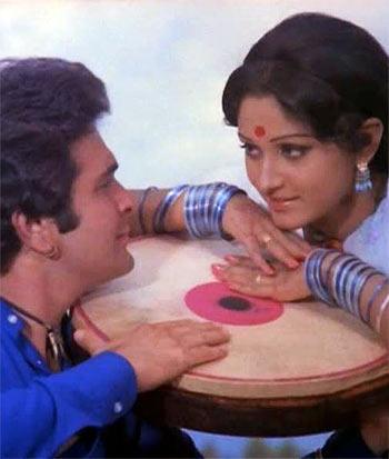 Current Bollywood News & Movies - Indian Movie Reviews, Hindi Music & Gossip - Quiz: Who played Jaya Prada's step-mother in Sargam?