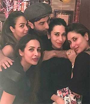 Current Bollywood News & Movies - Indian Movie Reviews, Hindi Music & Gossip - PIX: Inside Kareena Kapoor's birthday bash!