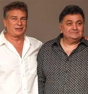 Current Bollywood News & Movies - Indian Movie Reviews, Hindi Music & Gossip - PIX: Rishi, Randhir at Karan Kapoor's exhibition