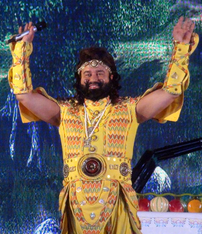 Current Bollywood News & Movies - Indian Movie Reviews, Hindi Music & Gossip - The Rockstar Baba is back with 3rd MSG film!