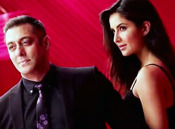 Current Bollywood News & Movies - Indian Movie Reviews, Hindi Music & Gossip - Watch: Salman-Katrina's sizzling chemistry