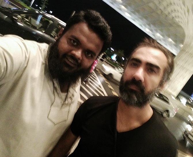 Current Bollywood News & Movies - Indian Movie Reviews, Hindi Music & Gossip - Spotted: Ranvir Shorey at Mumbai airport