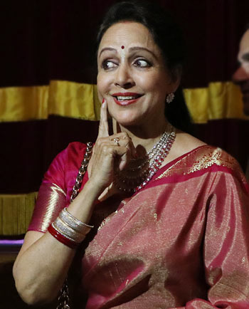 Current Bollywood News & Movies - Indian Movie Reviews, Hindi Music & Gossip - Watch: Hema Malini sings for special Janmashtami album