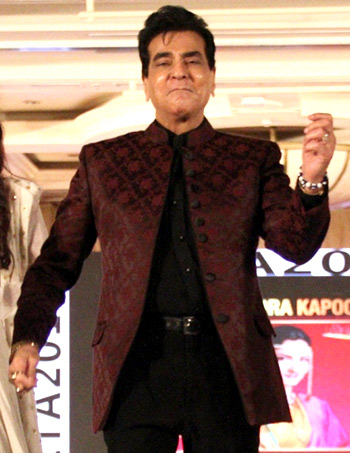 Current Bollywood News & Movies - Indian Movie Reviews, Hindi Music & Gossip - PIX: Jeetendra still has the moves!