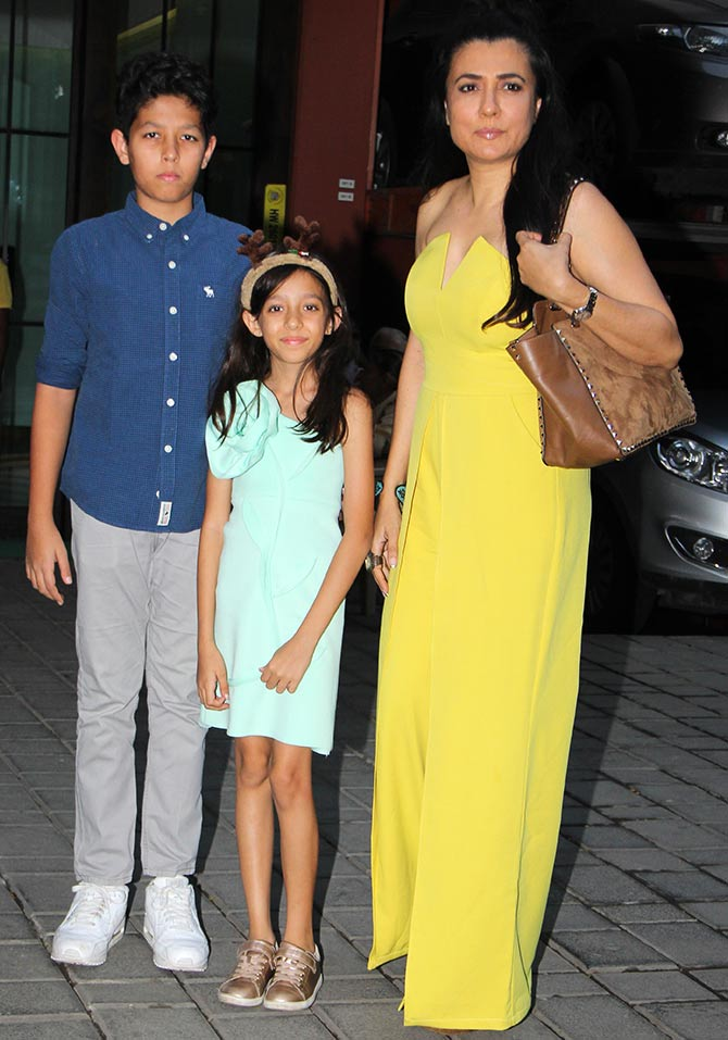 Salman, Katrina celebrate X'Mas, TZH hit - Rediff.com Movies