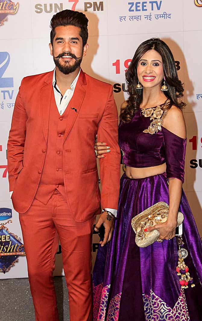 Current Bollywood News & Movies - Indian Movie Reviews, Hindi Music & Gossip - PIX: Suyyash-Kishwer attend Zee Rishtey awards