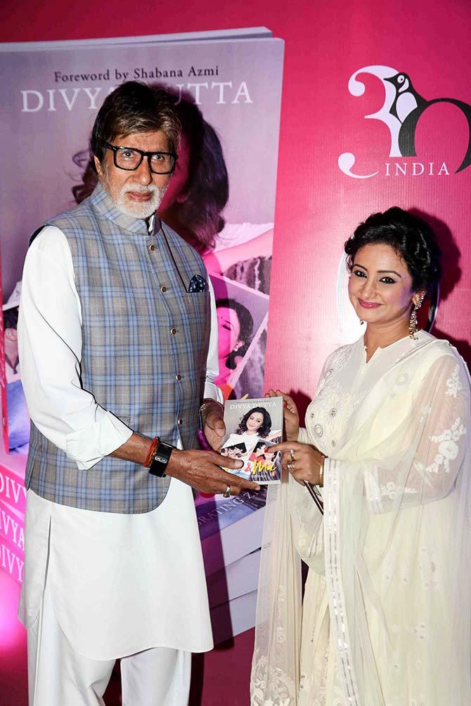 Current Bollywood News & Movies - Indian Movie Reviews, Hindi Music & Gossip - PIX: Amitabh Bachchan launches Divya Dutta's book