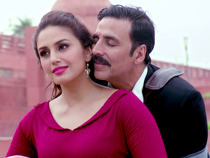 Current Bollywood News & Movies - Indian Movie Reviews, Hindi Music & Gossip - Box Office: Jolly LLB 2 gets decent opening