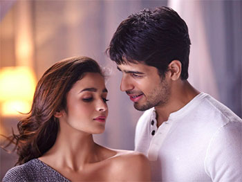 Current Bollywood News & Movies - Indian Movie Reviews, Hindi Music & Gossip - Quiz: How romantic are you?