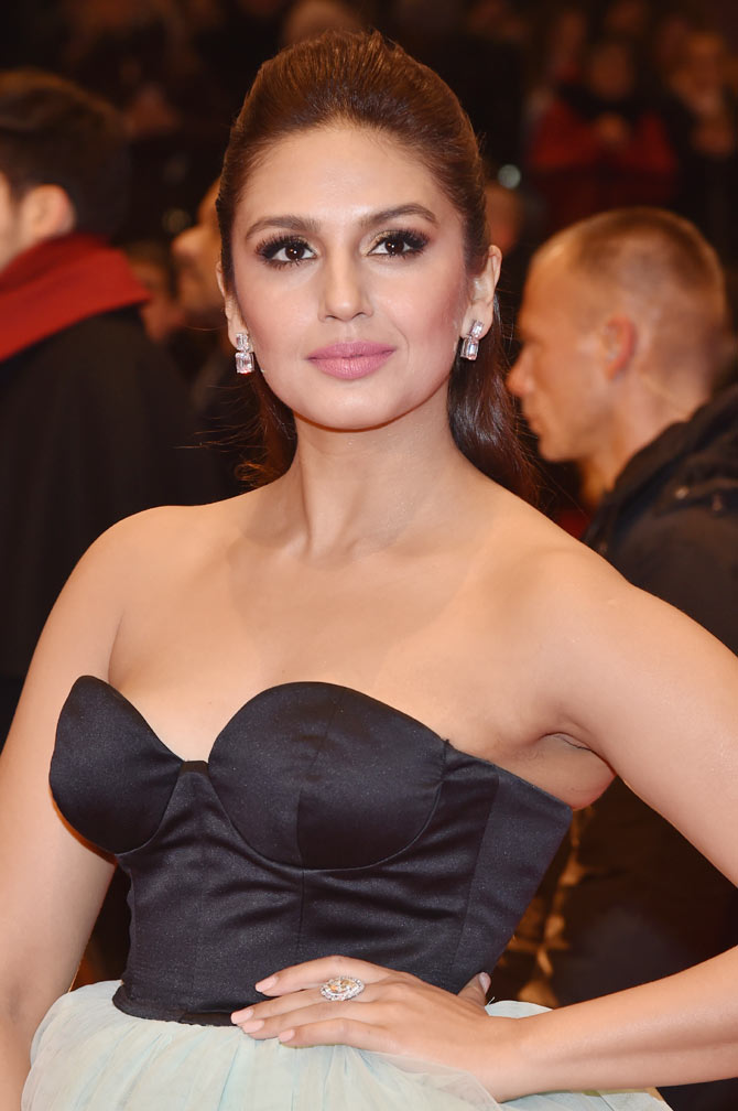 Current Bollywood News & Movies - Indian Movie Reviews, Hindi Music & Gossip - PIX: Huma Qureshi goes to Berlin