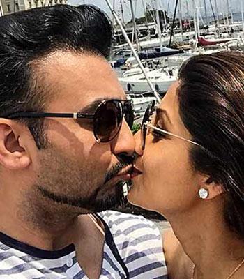 Current Bollywood News & Movies - Indian Movie Reviews, Hindi Music & Gossip - Shilpa-Raj, Bipasha-Karan's Valentine's Day pictures!