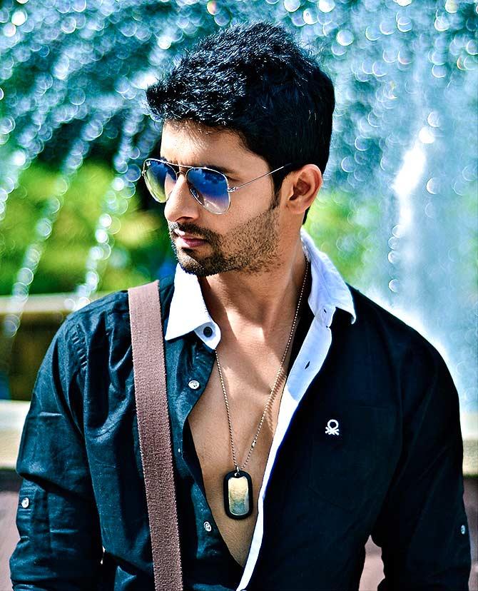 Current Bollywood News & Movies - Indian Movie Reviews, Hindi Music & Gossip - Like Ravi Dubey's looks on Jamai Raja?