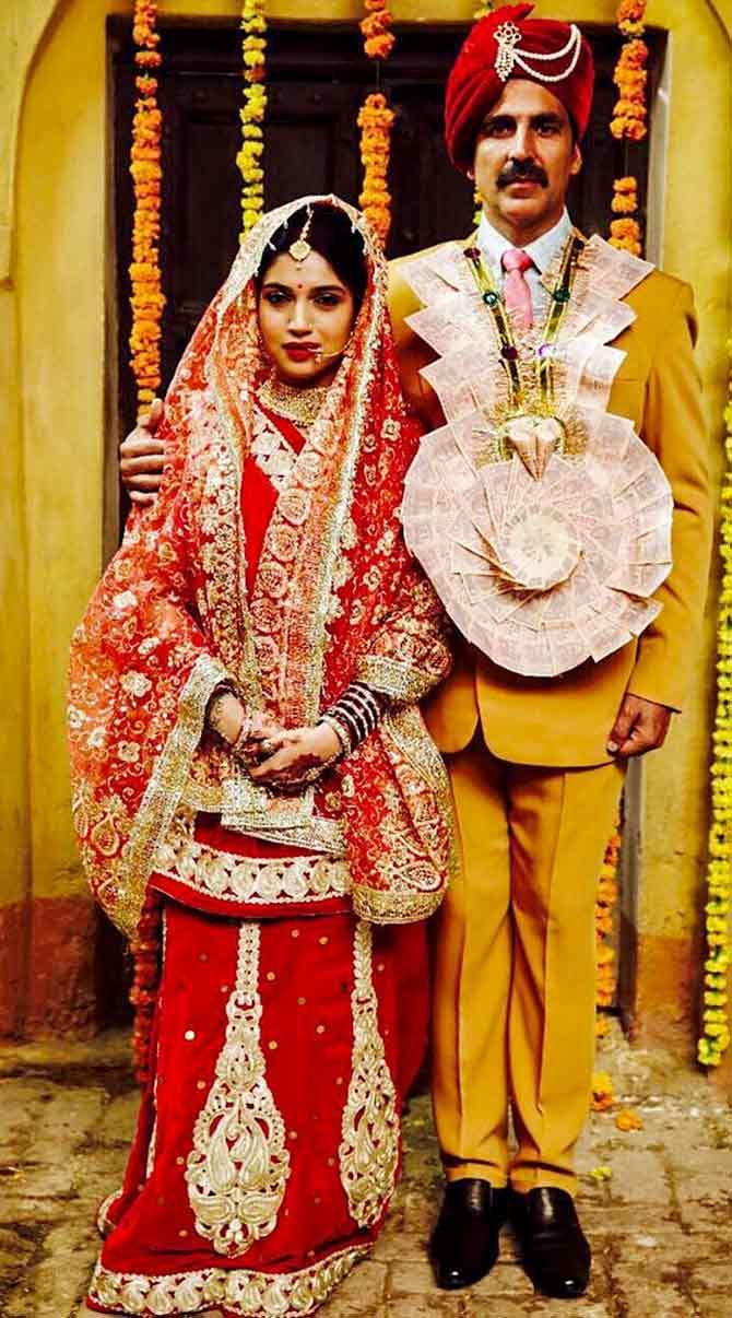 Current Bollywood News & Movies - Indian Movie Reviews, Hindi Music & Gossip - It's a wrap for Akshay-Bhumi's Toilet Ek Prem Katha