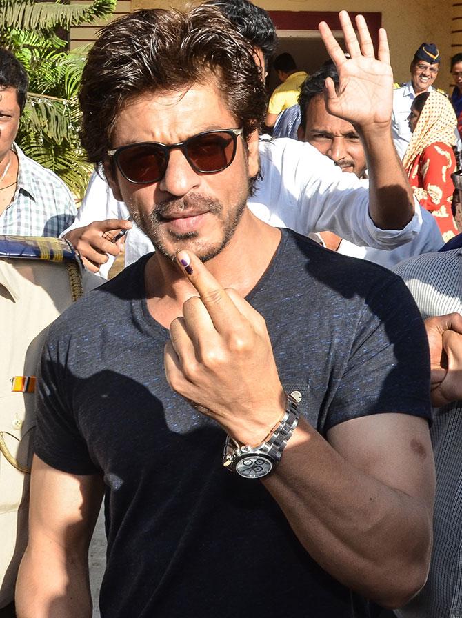 Current Bollywood News & Movies - Indian Movie Reviews, Hindi Music & Gossip - PIX: Shah Rukh Khan, Anushka, Ranveer cast their vote
